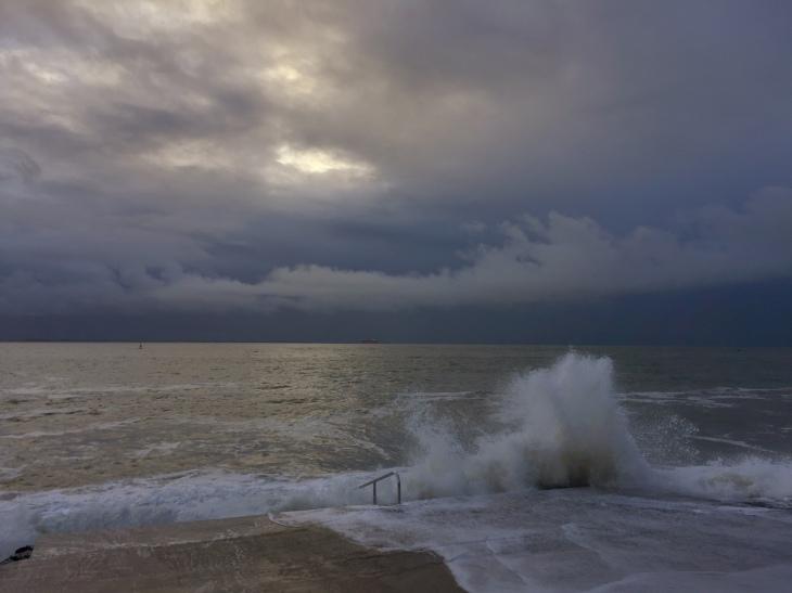 hoogwater-golven